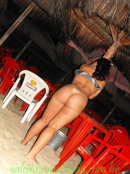 Gostosona curtindo férias em Fortaleza