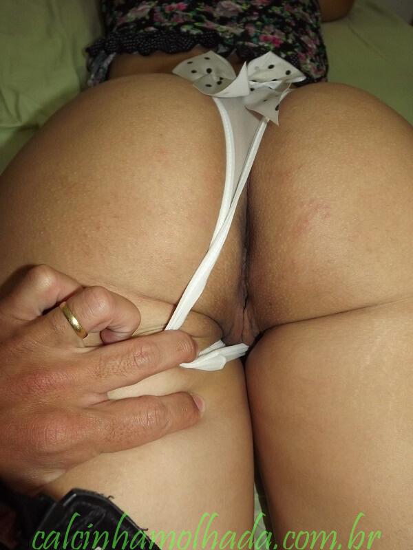Corno mostrando a lomba da esposa