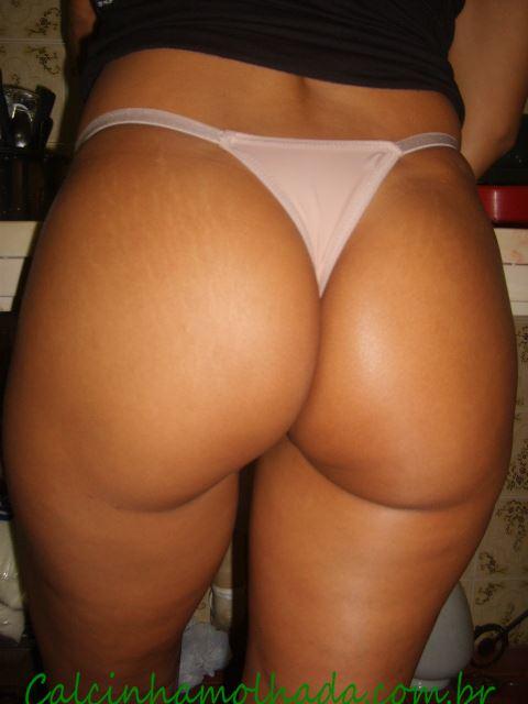 Esposa amadora deliciosa lavando seu rabão