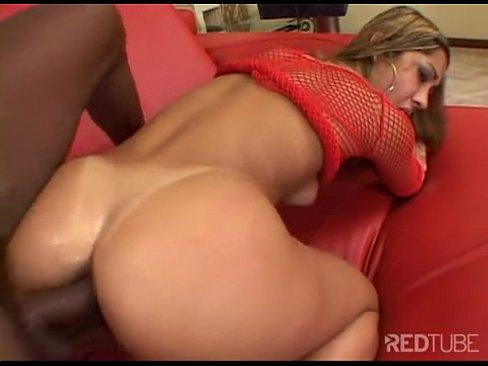 Latina fazendo sexo com marmanjo dotado