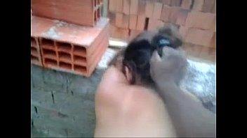 Esposa puta fudendo com pedreiro na obra